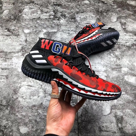 new styles c918d cdfca Red dame 4 x bape NWT
